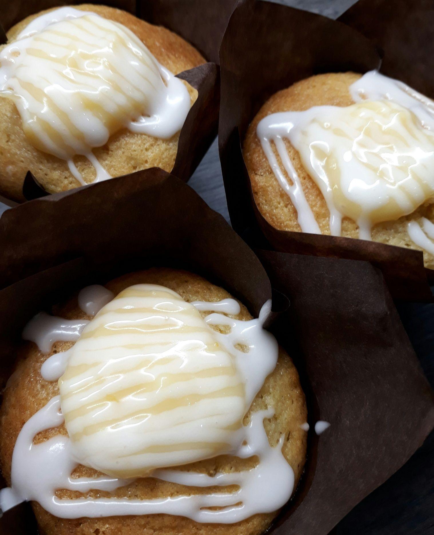 Lemon Muffins filled with Lemon Curd