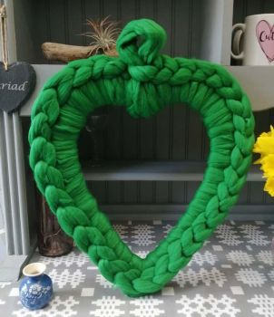 Chunky Wool Heart Wreath - Emerald Green Medium