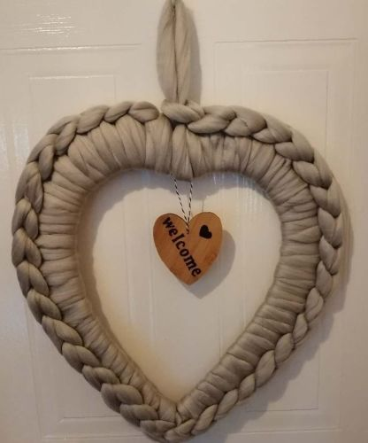 Chunky Wool Heart Wreath Large - Welcome