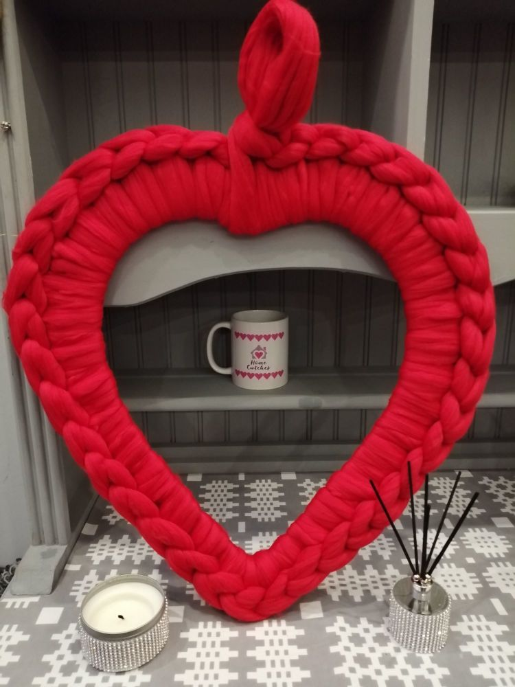 Chunky Wool Heart Wreath - Red Large