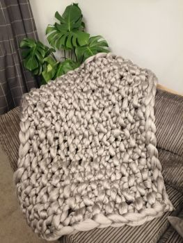 Chunky Wool Blanket - Dove Grey Seed Stitch