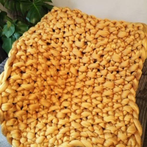 Chunky Wool Blanket - Mustard Yellow Seed Stitch