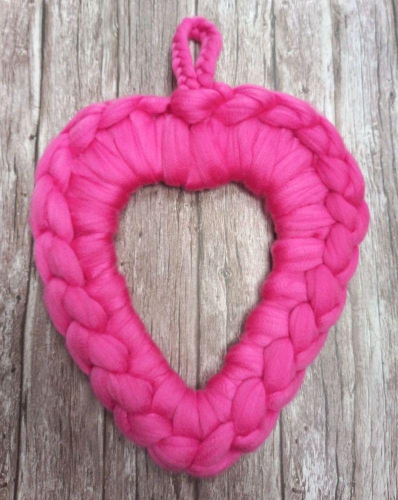 Chunky Wool Wreath - Bright Pink