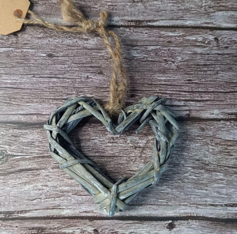 Grey Wicker Heart 10 cms