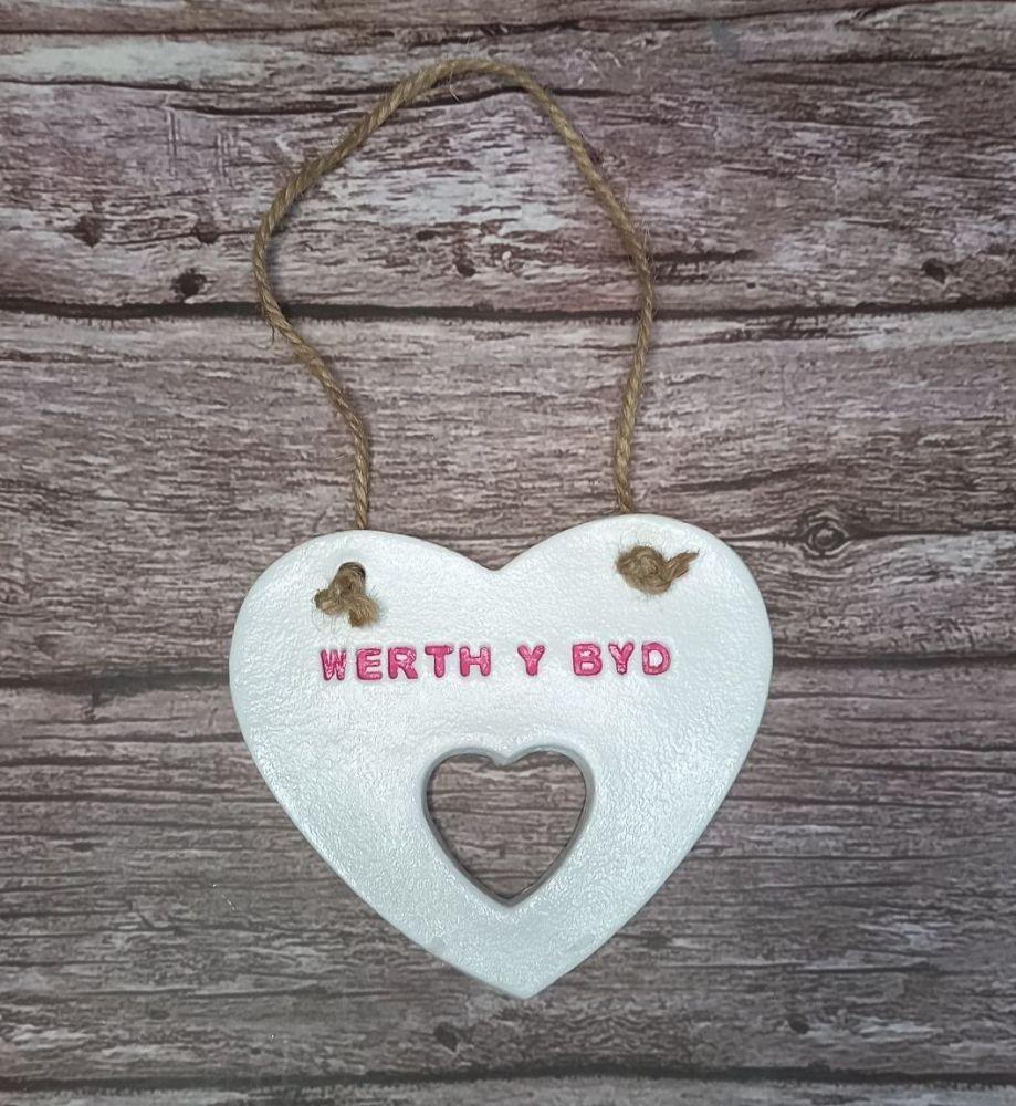 Clay Heart - Werth y Byd