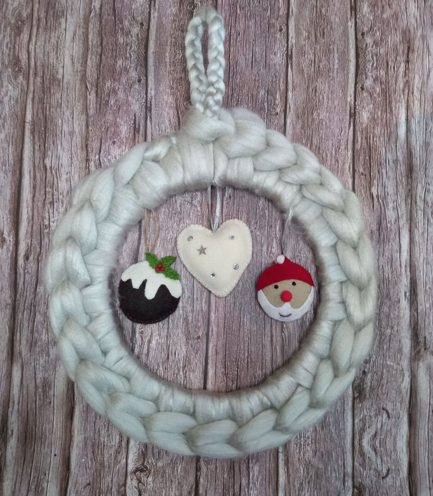 Chunky Wool Wreath - Felted Decorations