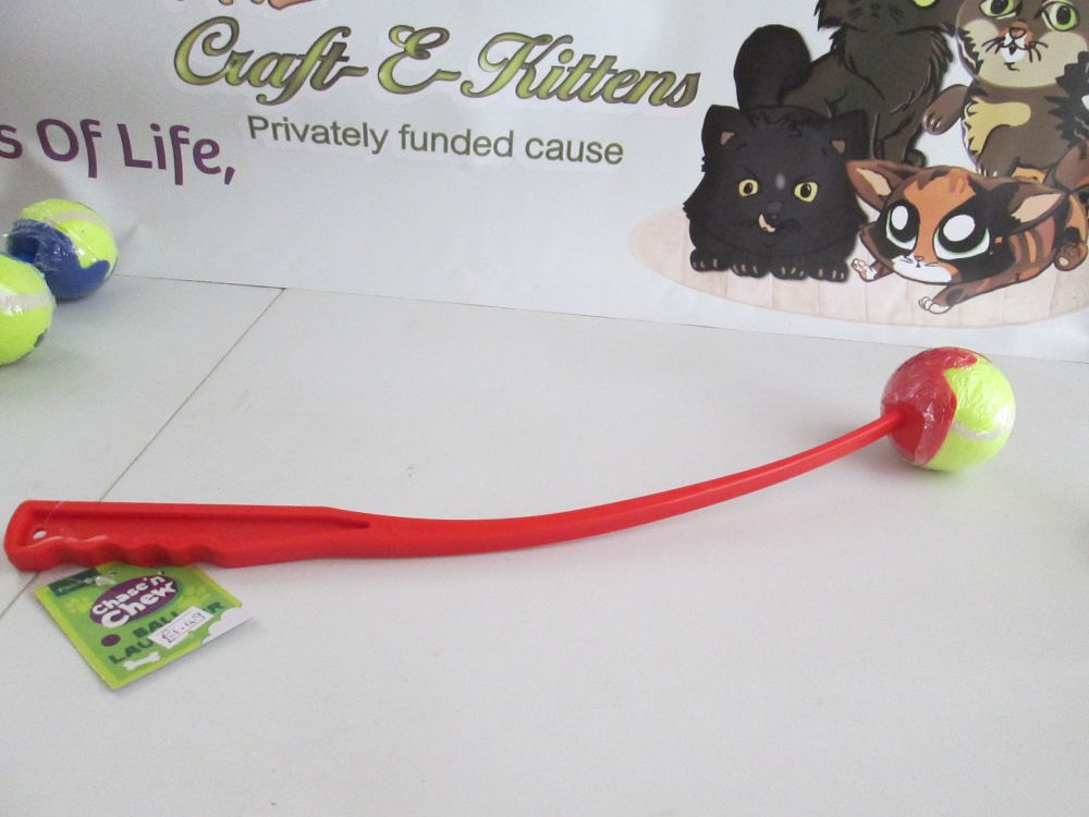 Fletchers Chase N Chew Red Ball Launcher