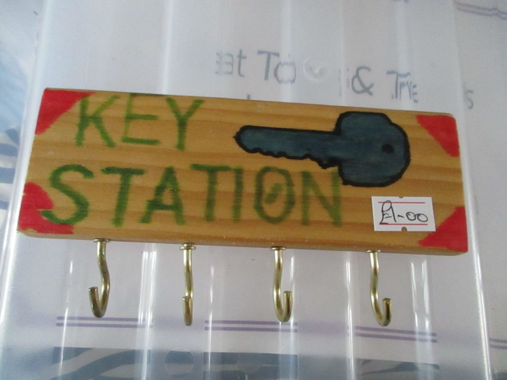 Blue Key Station - Wooden Key Caddy - Des In The Shed