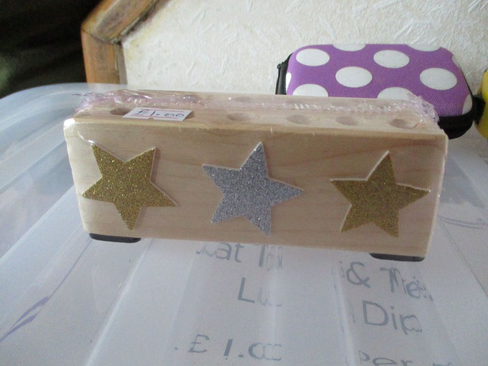 3 Stars - Wooden Stationery Caddy - Des In The Shed
