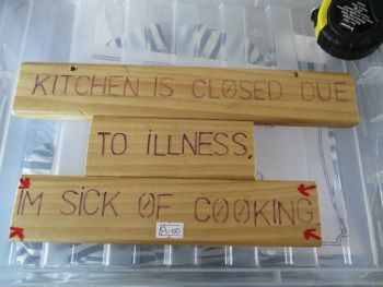 Kitchen Closed - Wooden Sign - Des In The Shed