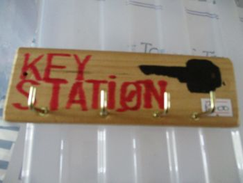 Black Key Station - Wooden Key Caddy - Des In The Shed