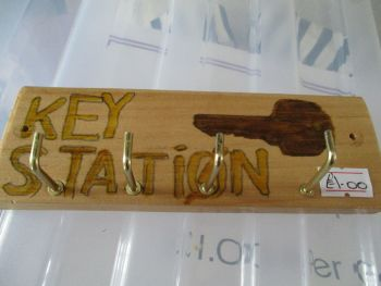 "Brown Key Station - ""TRIAL"" Wooden Key Caddy - Des In The Shed"