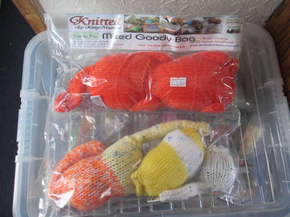 Orange / Yellow / White / Blue Speckled Knitted Catnip Toys Goody Bag - Kni