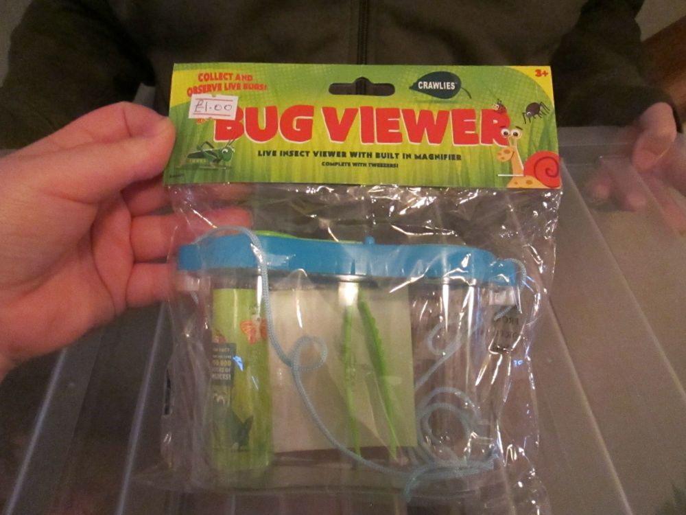 Blue Lid Crawlies Bug Viewer with Tweezers