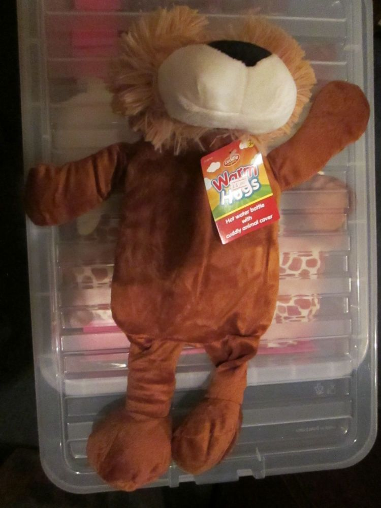 Lion Cuddle Kindgom Warm Hugs Hot Water Bottle & Cover