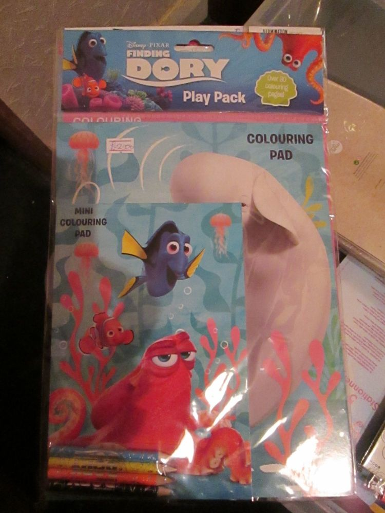 Disney Pixar Finding Dory - Licensed Colouring Play Pack