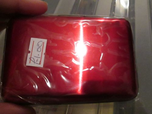 Red 6 Pocket Aluminium Credit Card Case