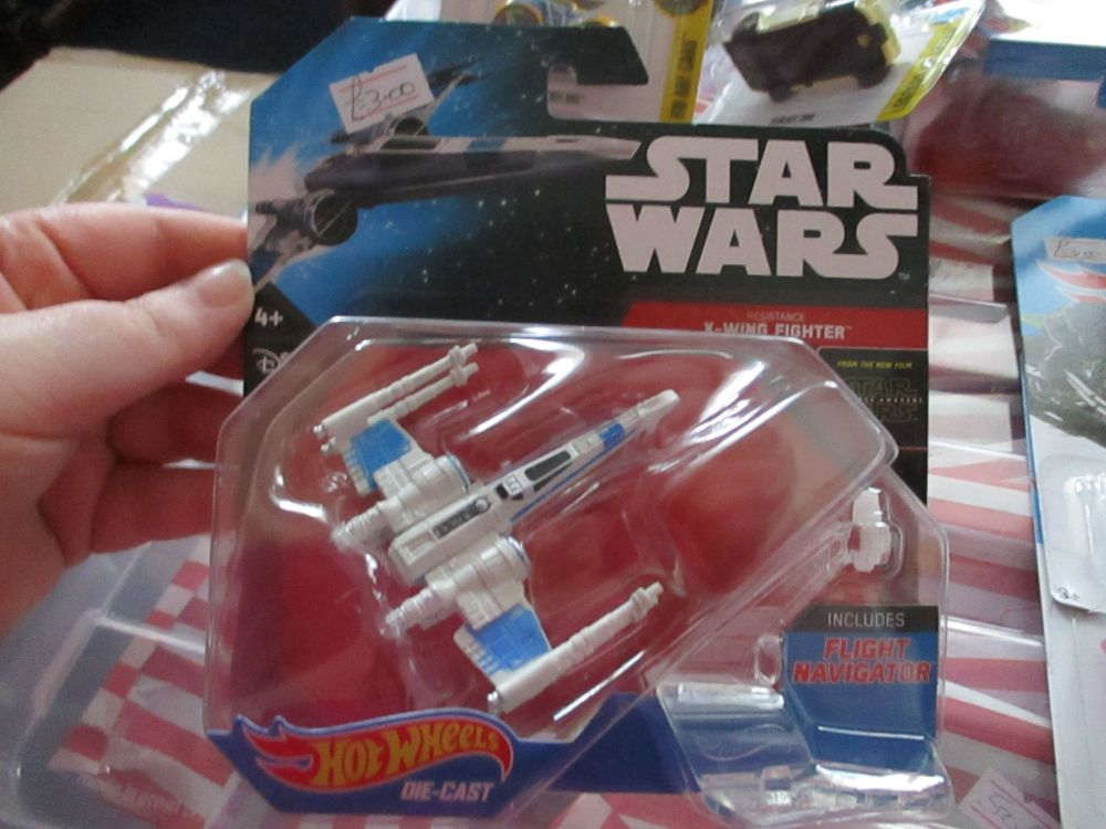 Star Wars - Licensed Resistance X-Wing Fighter