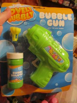 Green Bubble Gun with Bubble Solution - Lovely Bubbly