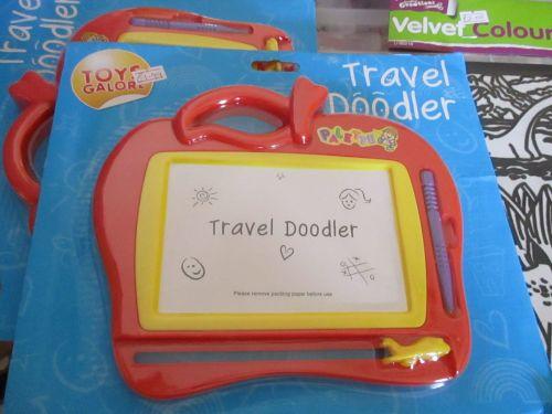 Red Apple Palette Travel Doodler - Toys Galore