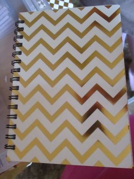 White / Gold ZigZag 240pg Cardback Spiral A5 Lined Notebook