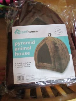 Rich Brown Pet House Pyramid Pop Up Animal House