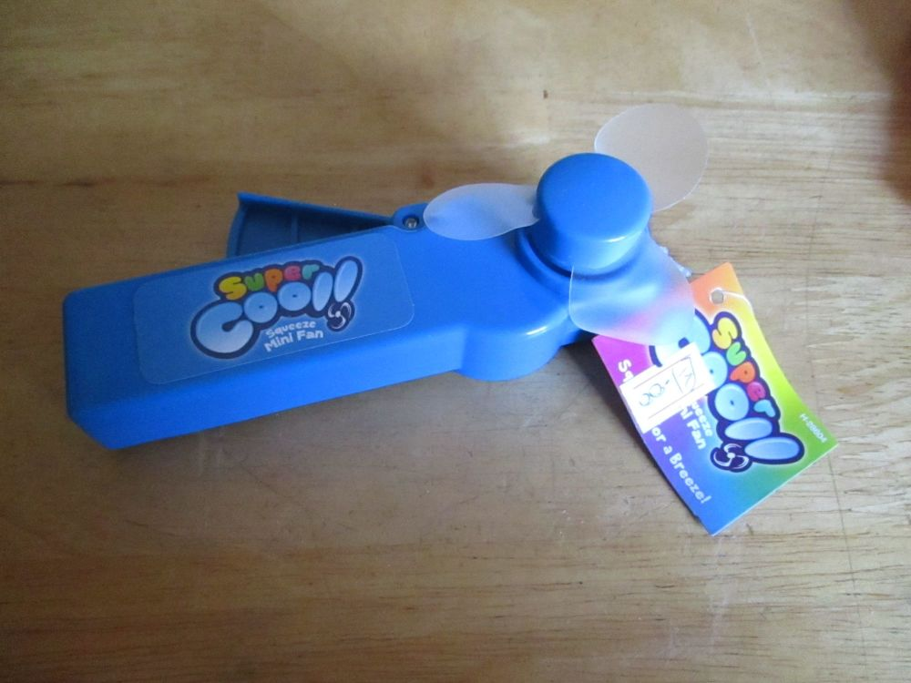 Blue - Super Cool - Squeeze Mini Fan