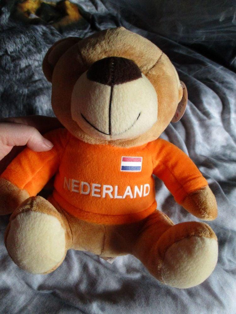 Nederland W/Sewn Shirt - Football Crazy - Soft Toy
