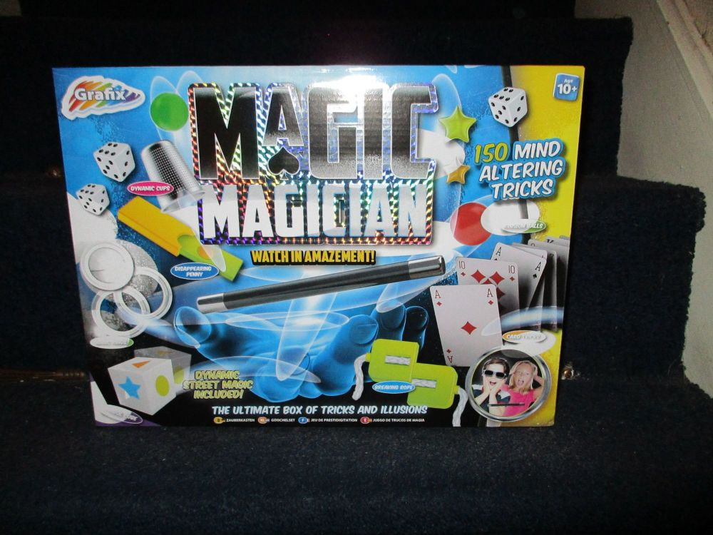 Magic Magician - The Ultimate Box Of Tricks And Illusions - Grafix