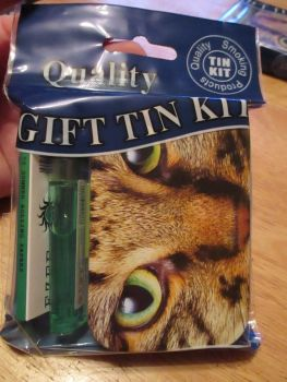 Tabby Cat Print Hinged Tobacco Tin Papers & Green Lighter Gift Set