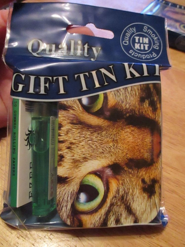 Tabby Cat Print Hinged Tabacco Tin Papers & Green Lighter Gift Set
