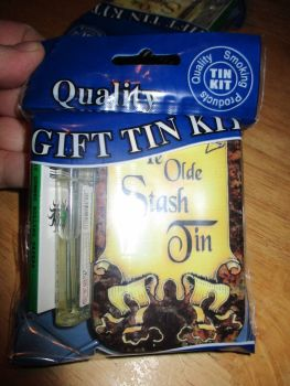 Ye Olde Print Hinged Tabacco Tin Papers & Clear Lighter Gift Set