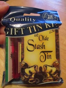 Ye Olde Print Hinged Tabacco Tin Papers & Pink Lighter Gift Set