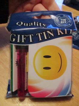 Smiley Print Hinged Tabacco Tin Papers & Pink Lighter Gift Set