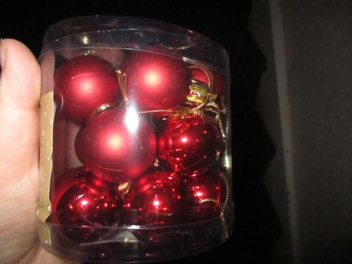 18pk Red Two Tone Mini Baubles