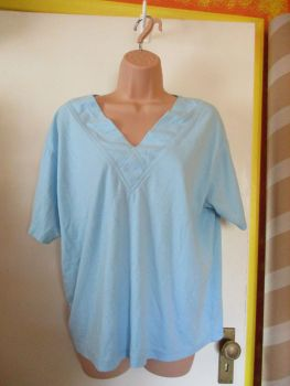 Blue V-Neck Unbranded Top Estimated Size 18