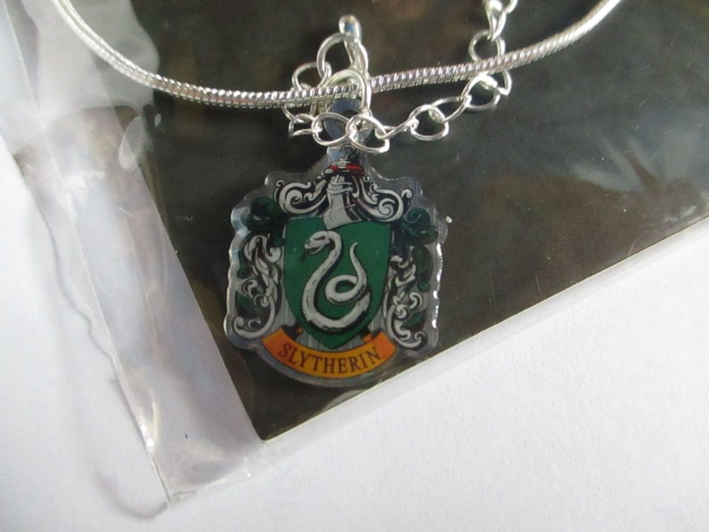 Slytherin Crest - Harry Potter Official Necklace