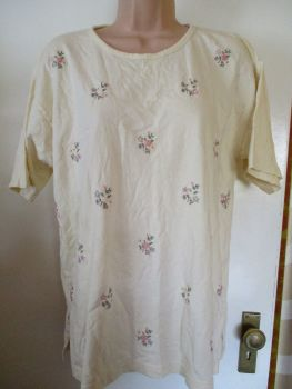 Plus Collection Pale Lemon T-shirt with Embroidered Flowers - One Size Fits All