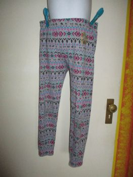 LM 10-11yr Grey Pink Blue Diamond Pattern Leggings