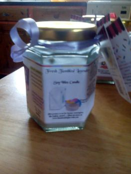 Fresh Tumbled Laundry Scented Soy Wax Candle 300g