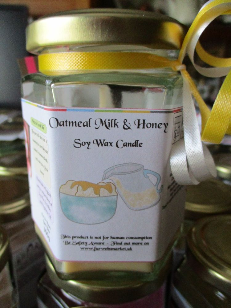 Oatmeal Milk & Honey Scented Soy Wax Candle 300g