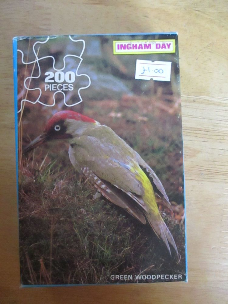 Ingham Day 200pc Green Woodpecker Jigsaw Puzzle (6pc missing)