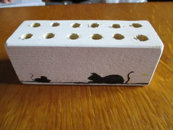 Silhouette Cat & Mouse 12 Hole White Stationery Block