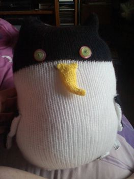 Black & White Giant Penguin - Yellow Beak with Pink / Green Eyes