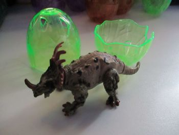 "Styracosaurus Dinosaur Construction Toy in ""Cracked Egg"" Case"