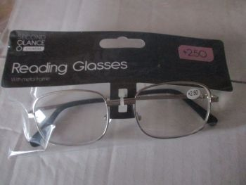 +2.50 Reading Glasses with Silver Metal Frames – Second Glance Eye-wear