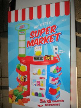 BNIB Tabletop SuperMarket Toy Shop Play Set with fruits vegetables and cartons