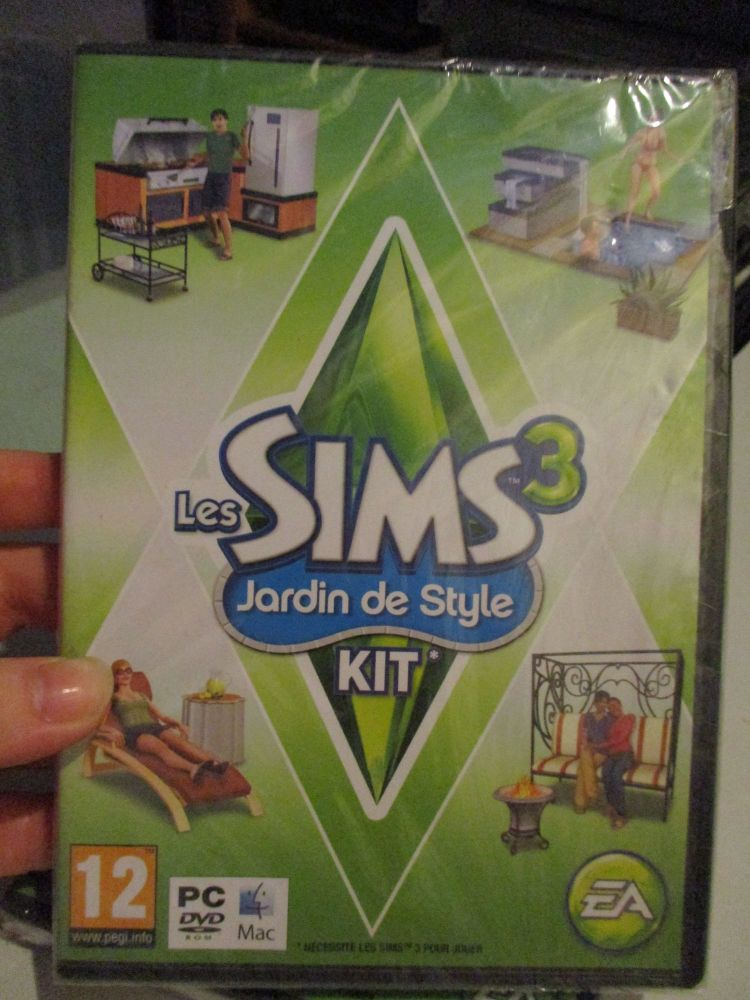 The Sims 3: Outdoor Living Stuff Pack (French) Pal PC DVD / Mac #FM0489