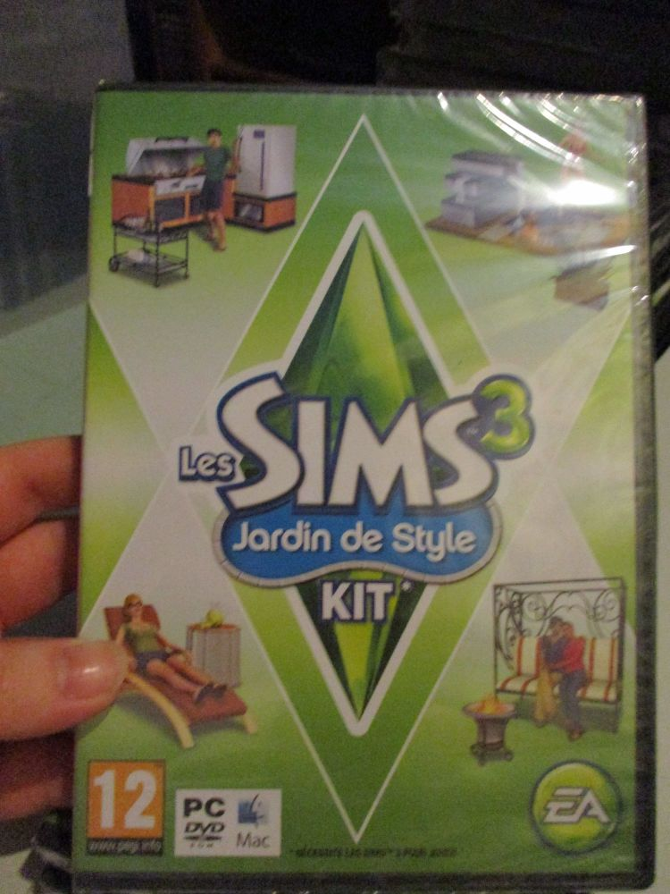 The Sims 3: Outdoor Living Stuff Pack (French) Pal PC DVD / Mac #FM0488
