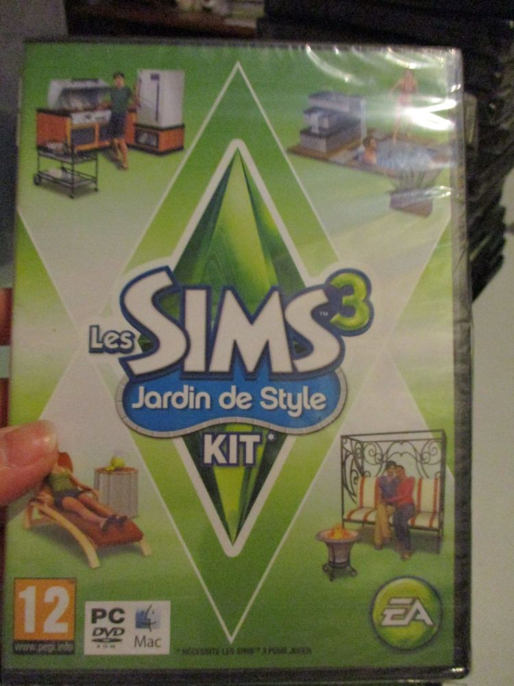 The Sims 3: Outdoor Living Stuff Pack (French) Pal PC DVD / Mac #FM0486